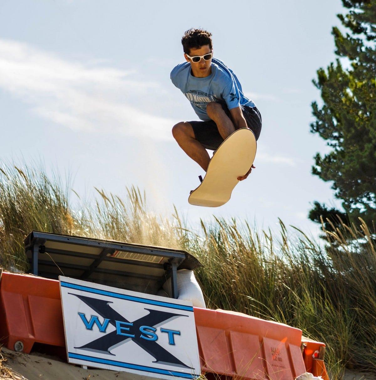 Venomous Sandboard - the Sand Surfer